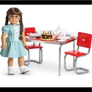 NEW American Girl Doll Mollys Table and Chairs Set